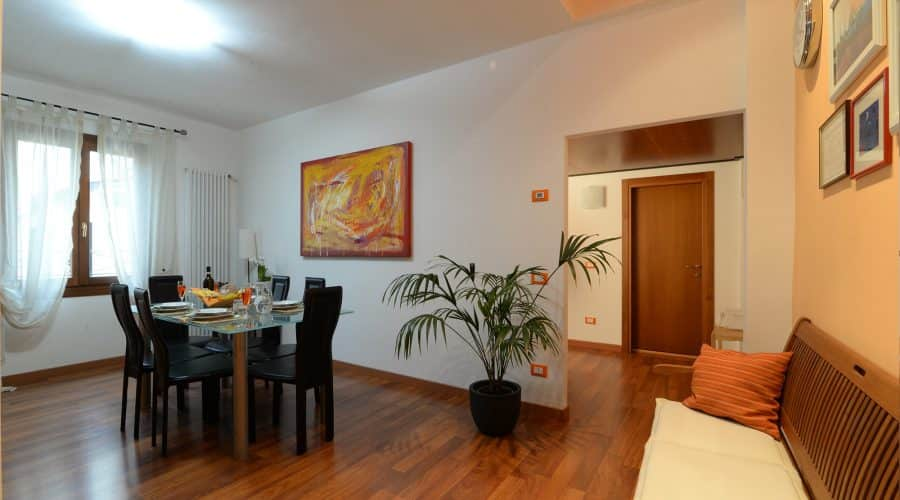 appartamento-arancio-alloggi-a-padova-ingresso-padovaresidence