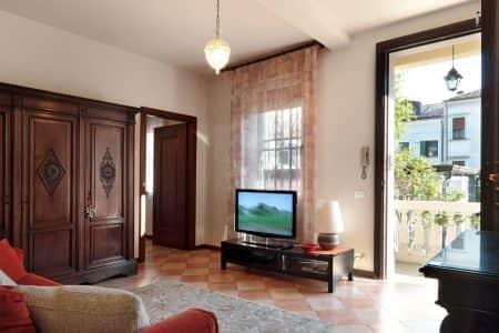 ai-talenti-apartment-tourist-apartments-for-short-term-rent-in-Padua-entrance-photo-padovaresidence