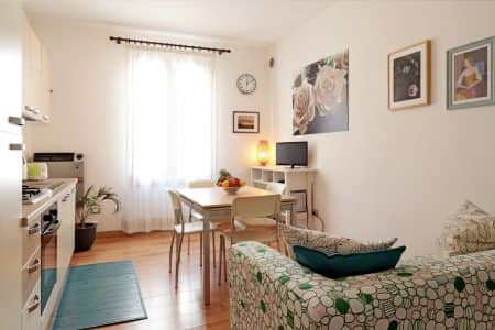 verde-apartment-tourist-apartments-for-rent-in-Padua-living-room-photo-padovaresidence
